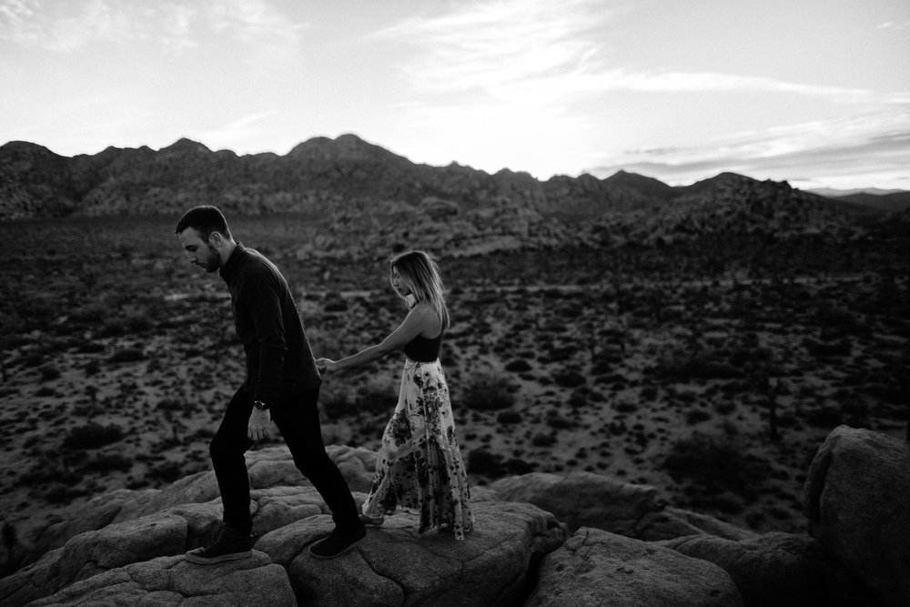 Joshua_Tree_Engagement_Wedding_Elopement_Photogapher_71.jpg