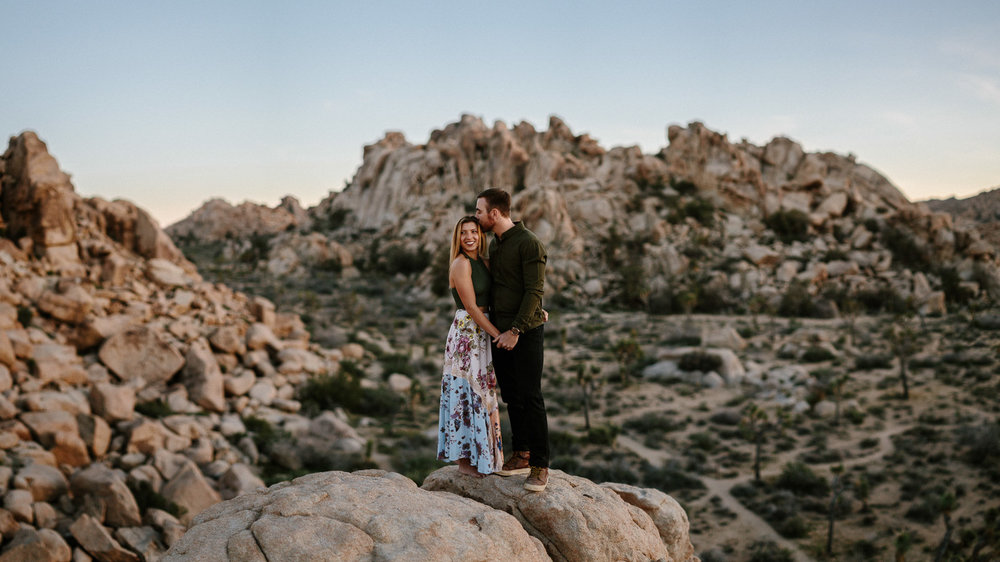Joshua_Tree_Engagement_Wedding_Elopement_Photogapher_73.jpg