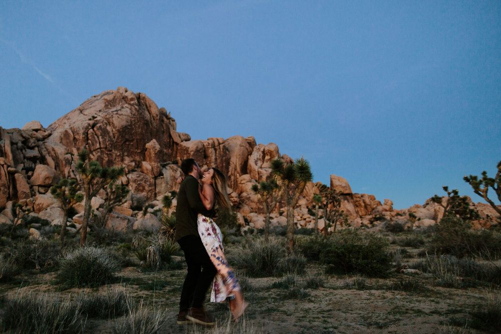 Joshua_Tree_Engagement_Wedding_Elopement_Photogapher_85.jpg