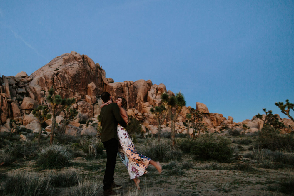 Joshua_Tree_Engagement_Wedding_Elopement_Photogapher_86.jpg