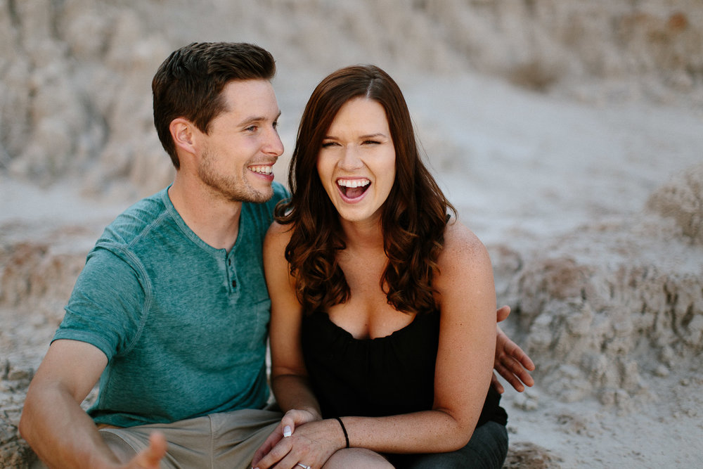 Alyssa&Forrest_Badlands_Adventure_Engagement_05.jpg