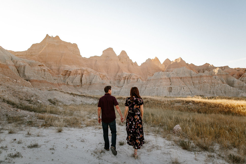 Alyssa&Forrest_Badlands_Adventure_Engagement_12.jpg