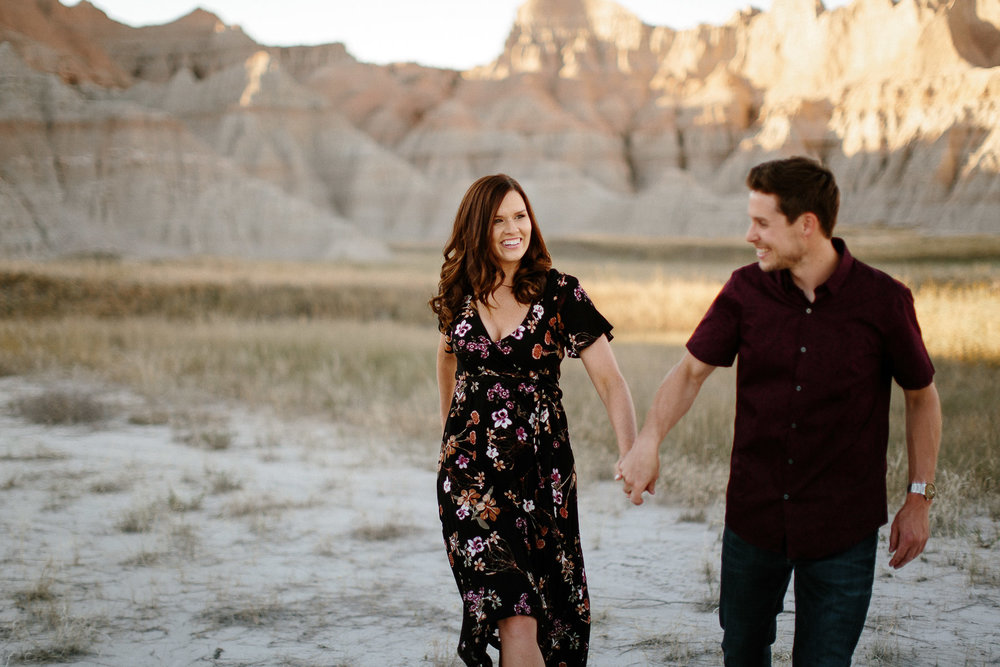 Alyssa&Forrest_Badlands_Adventure_Engagement_15.jpg