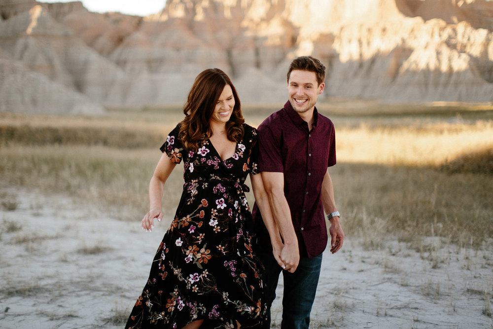 Alyssa&Forrest_Badlands_Adventure_Engagement_16.jpg