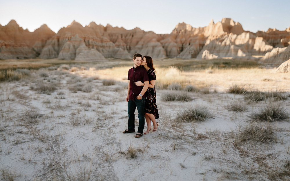 Alyssa&Forrest_Badlands_Adventure_Engagement_18.jpg