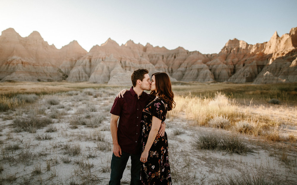 Alyssa&Forrest_Badlands_Adventure_Engagement_20.jpg