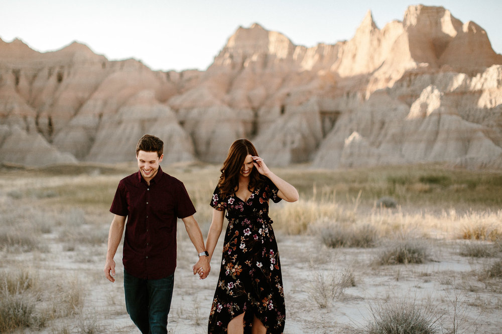 Alyssa&Forrest_Badlands_Adventure_Engagement_21.jpg