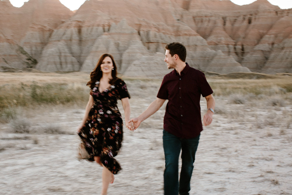 Alyssa&Forrest_Badlands_Adventure_Engagement_31.jpg