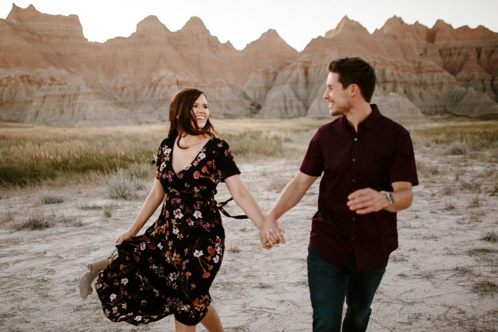Alyssa&Forrest_Badlands_Adventure_Engagement_32.jpg