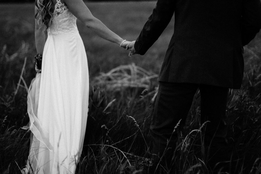 Intimate_Farmhouse_SD_Wedding_Bridgette_Philip_067.jpg