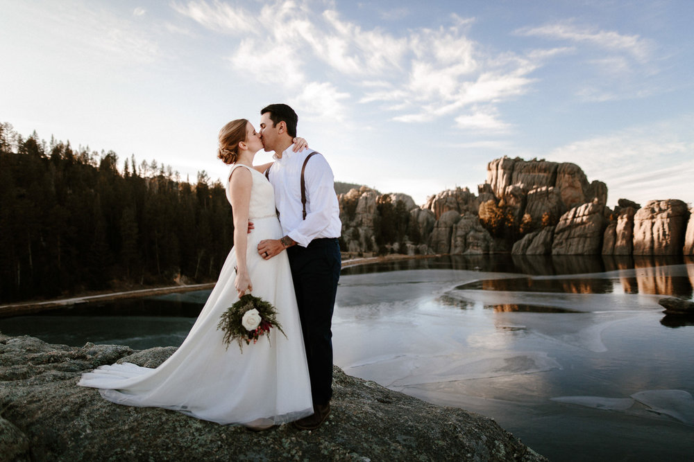 sioux-falls-black-hills-rapid-city-elopement-wedding-adventure-photographer-custer-sylvan-lake-32.jpg