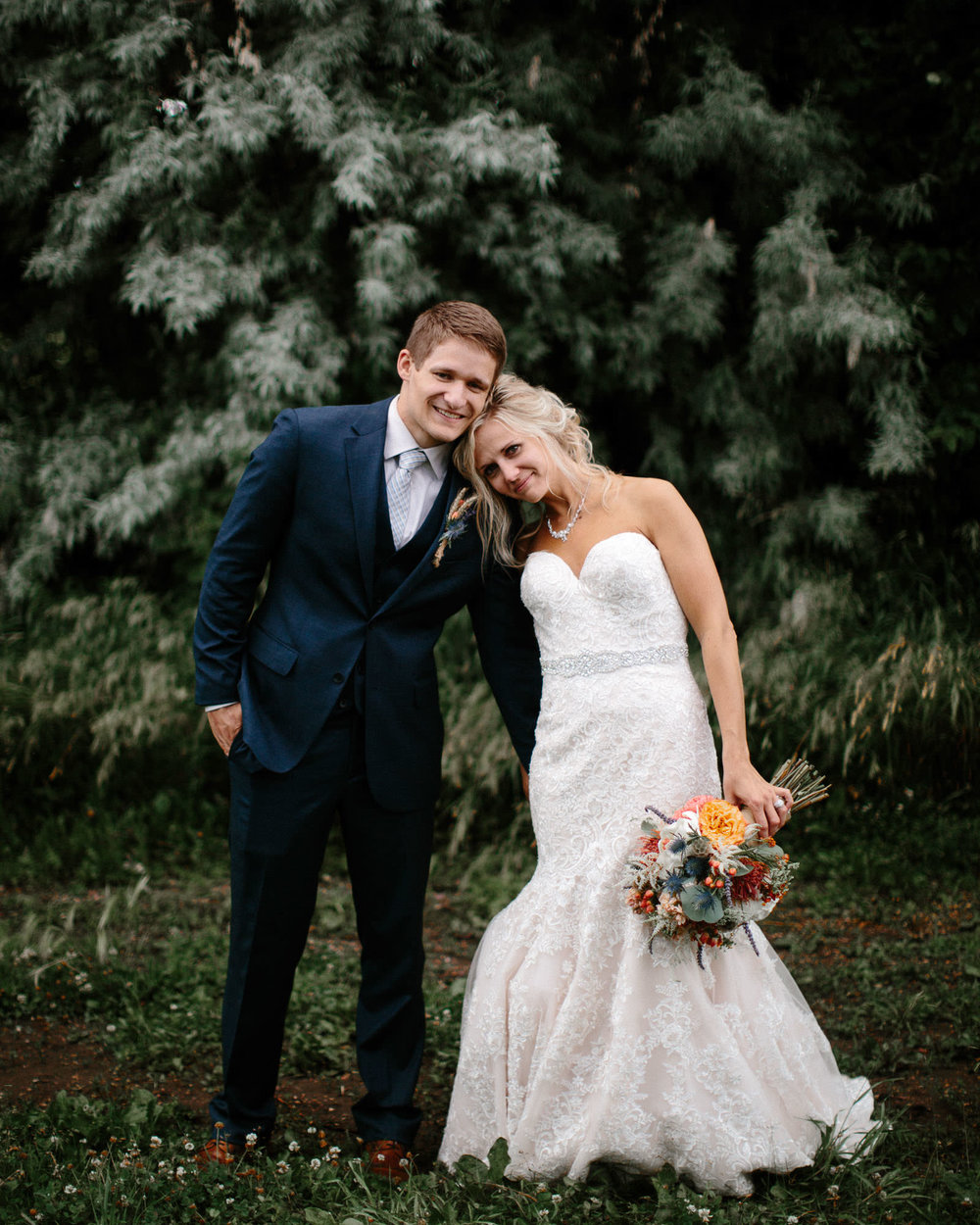 meadow-barn-wedding-sioux-falls-south-dakota-romantic-adventerous-michael-liedtke-photography089.jpg