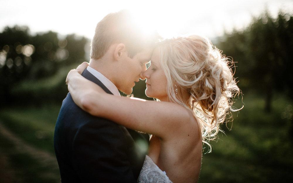 meadow-barn-wedding-sioux-falls-south-dakota-romantic-adventerous-michael-liedtke-photography100.jpg
