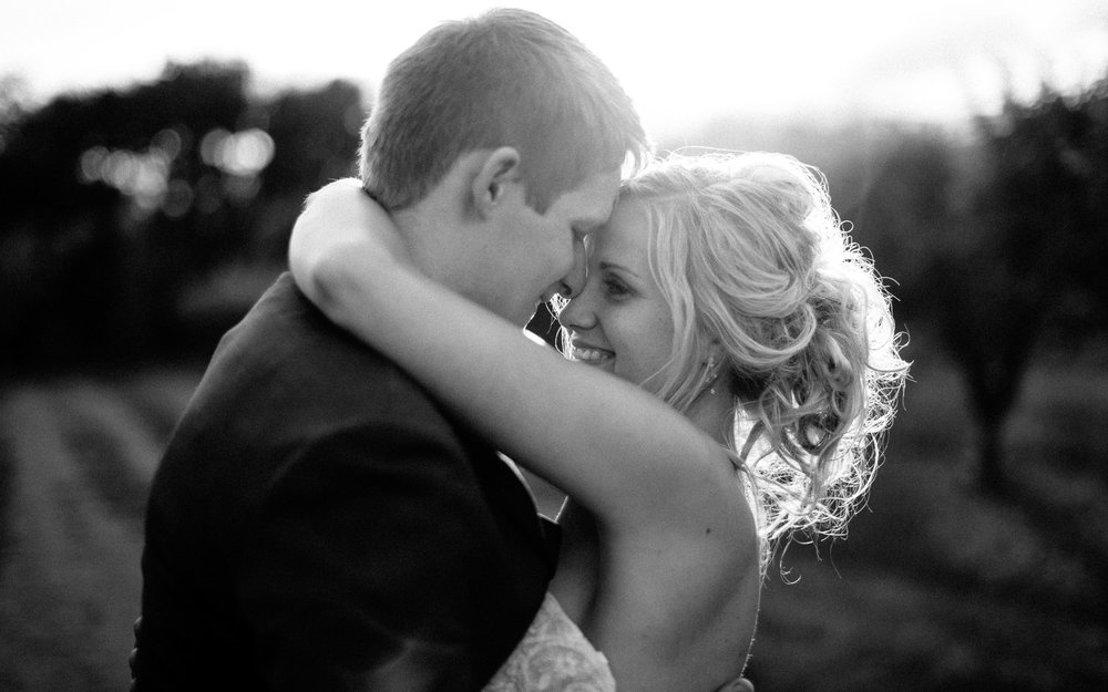 meadow-barn-wedding-sioux-falls-south-dakota-romantic-adventerous-michael-liedtke-photography102.jpg