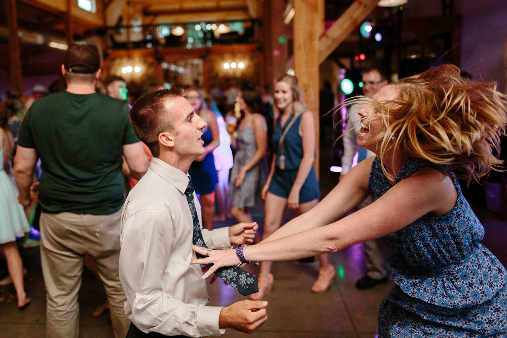 meadow-barn-wedding-sioux-falls-south-dakota-romantic-adventerous-michael-liedtke-photography128.jpg