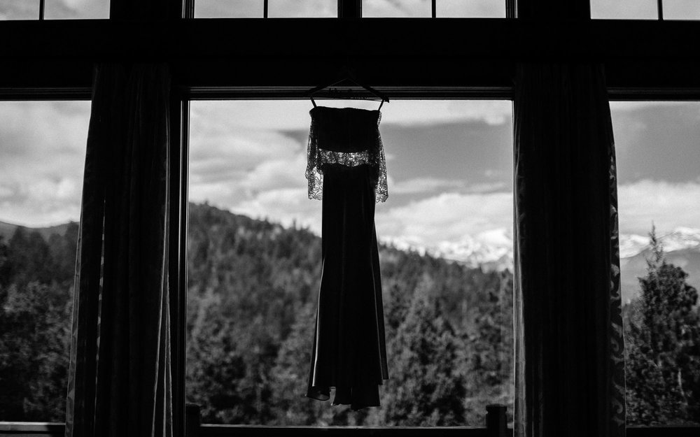 bucci-barn-wedding-elopement-evergreen-boulder-denver-colorado-adventerous-romantic-timeless-006.jpg