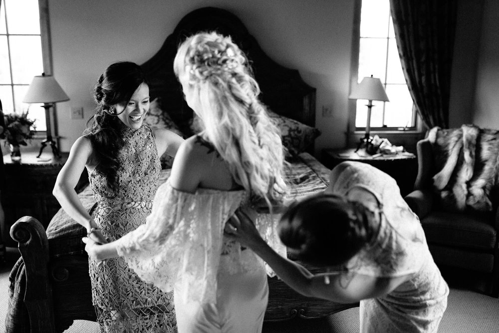 bucci-barn-wedding-elopement-evergreen-boulder-denver-colorado-adventerous-romantic-timeless-027.jpg
