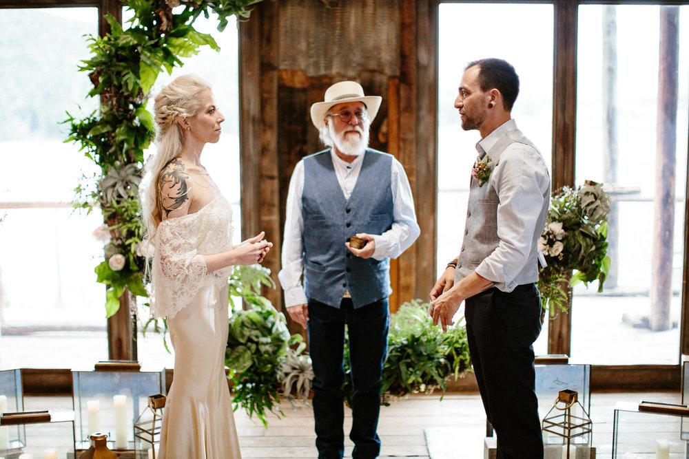 bucci-barn-wedding-elopement-evergreen-boulder-denver-colorado-adventerous-romantic-timeless-060.jpg
