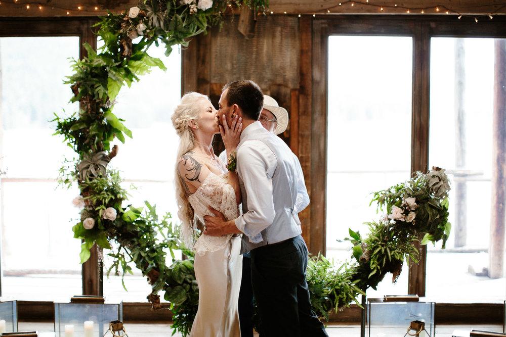 bucci-barn-wedding-elopement-evergreen-boulder-denver-colorado-adventerous-romantic-timeless-064.jpg