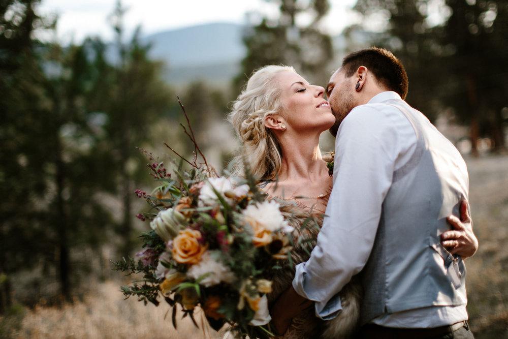 bucci-barn-wedding-elopement-evergreen-boulder-denver-colorado-adventerous-romantic-timeless-088.jpg