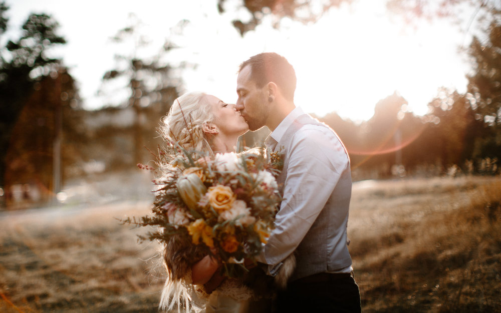 bucci-barn-wedding-elopement-evergreen-boulder-denver-colorado-adventerous-romantic-timeless-091.jpg
