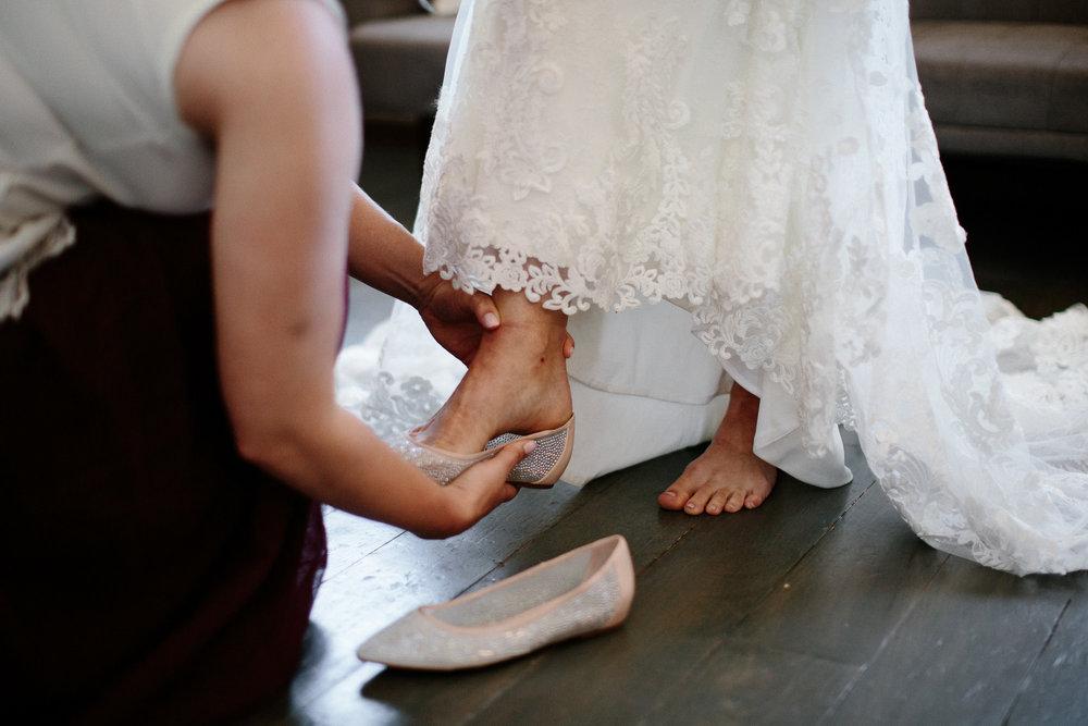 wedding-elopement-adventerous-romantic-timeless-south-dakota-blue-haven-barn-013.jpg