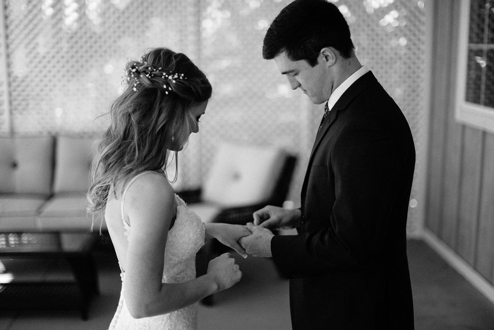 wedding-elopement-adventerous-romantic-timeless-south-dakota-blue-haven-barn-025.jpg