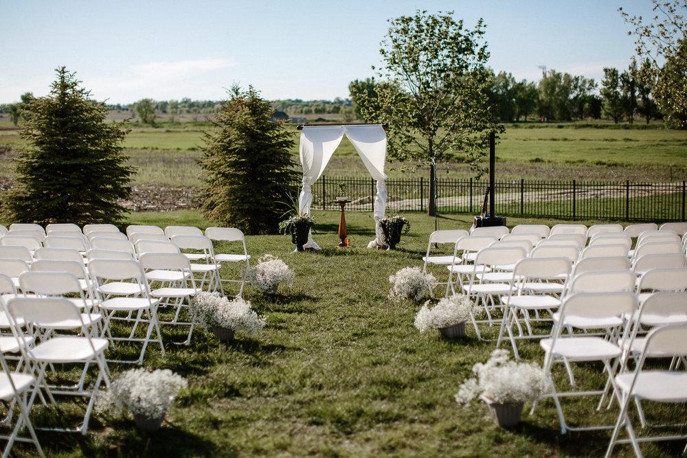 wedding-elopement-adventerous-romantic-timeless-south-dakota-blue-haven-barn-032.jpg