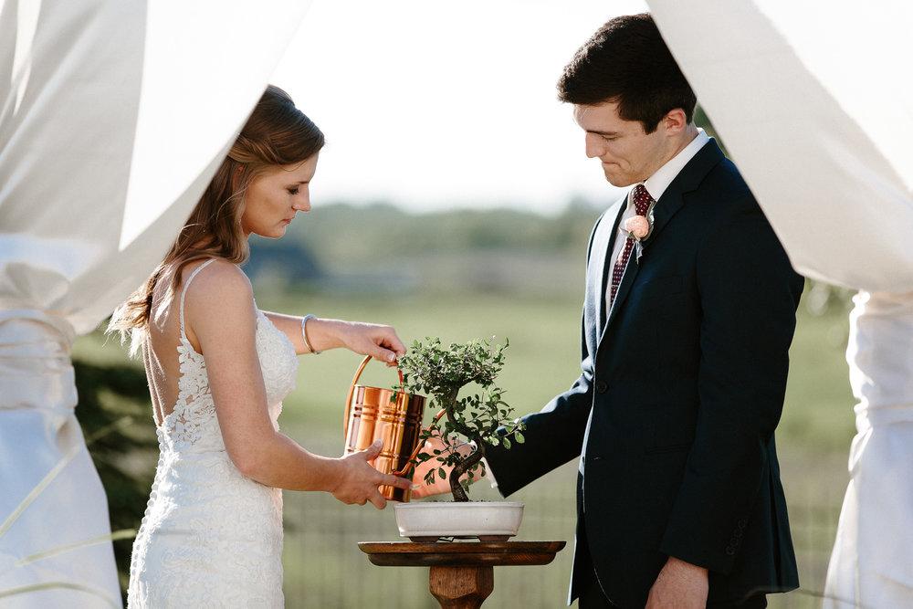 wedding-elopement-adventerous-romantic-timeless-south-dakota-blue-haven-barn-050.jpg