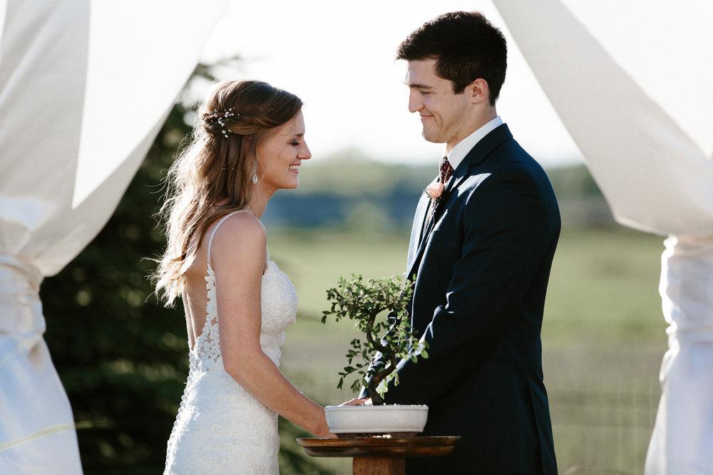 wedding-elopement-adventerous-romantic-timeless-south-dakota-blue-haven-barn-051.jpg