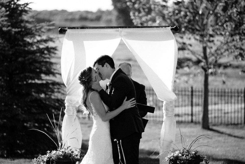 wedding-elopement-adventerous-romantic-timeless-south-dakota-blue-haven-barn-053.jpg