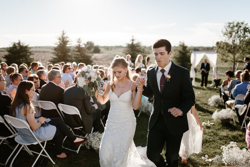 wedding-elopement-adventerous-romantic-timeless-south-dakota-blue-haven-barn-058.jpg