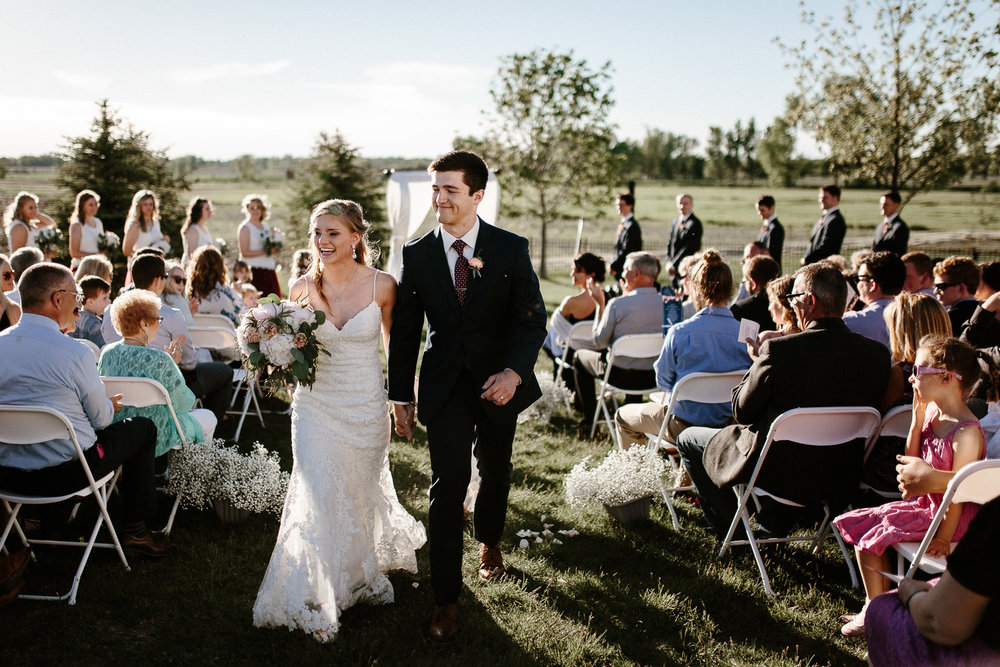 wedding-elopement-adventerous-romantic-timeless-south-dakota-blue-haven-barn-057.jpg
