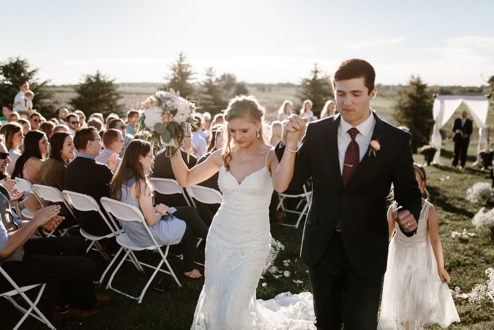 wedding-elopement-adventerous-romantic-timeless-south-dakota-blue-haven-barn-059.jpg