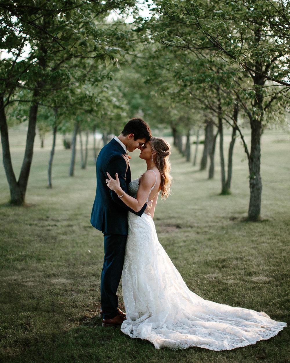 wedding-elopement-adventerous-romantic-timeless-south-dakota-blue-haven-barn-077.jpg