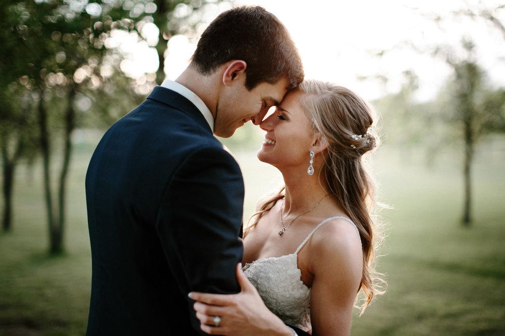wedding-elopement-adventerous-romantic-timeless-south-dakota-blue-haven-barn-080.jpg