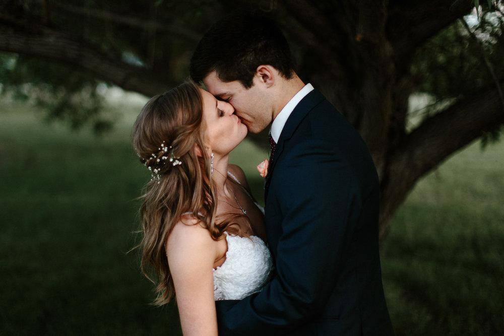 wedding-elopement-adventerous-romantic-timeless-south-dakota-blue-haven-barn-087.jpg