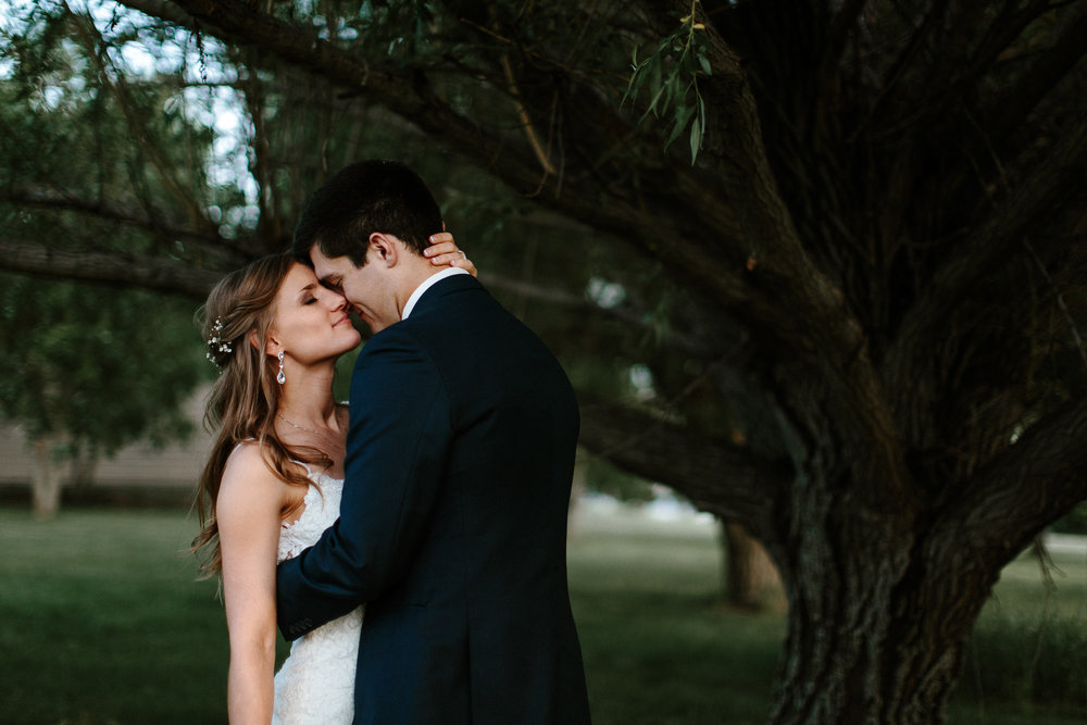 wedding-elopement-adventerous-romantic-timeless-south-dakota-blue-haven-barn-089.jpg