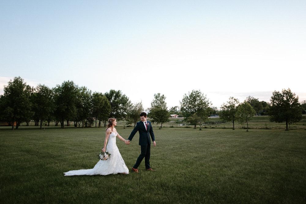 wedding-elopement-adventerous-romantic-timeless-south-dakota-blue-haven-barn-091.jpg