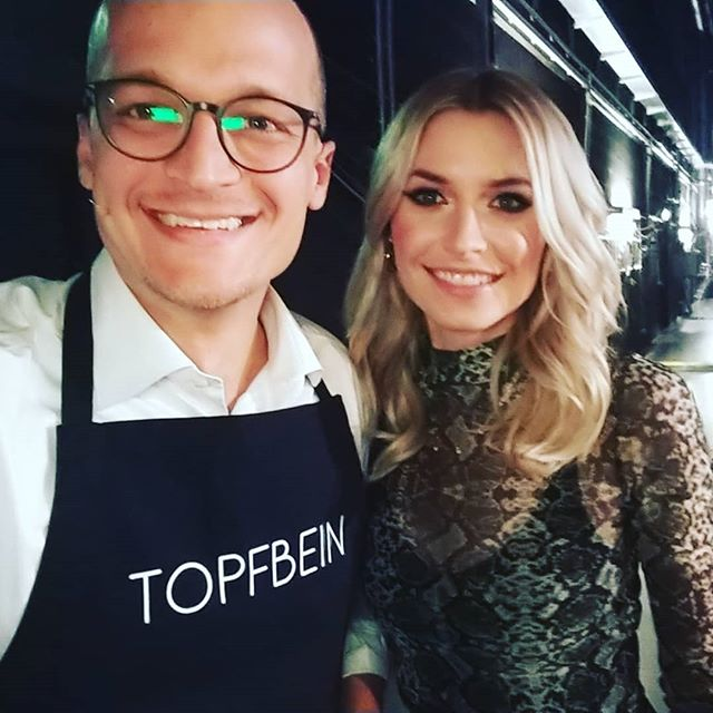 Ob wir @lenagercke mit @topfbein überzeugen konnten? Die Antwort erhaltet ihr am kommenden Dienstag, um 20:15 bei @dasdingdesjahres auf @prosieben! Nur noch 3 Tage... #dasdingdesjahres #lenagercke #topfbein