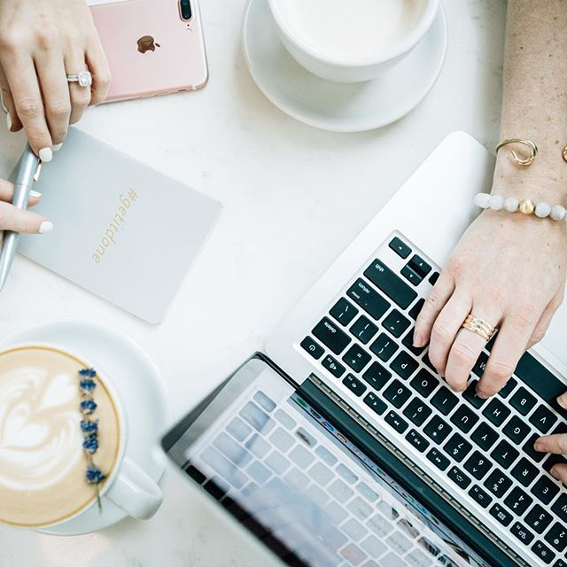 After a week filled with brand content shoots, it's time to get back to our 💻 and work on strategy! Because it takes more than a pretty photo to build your brand. Give us all the coffee to power through and end this week strong. 📷: @ruthiestarkphotography #strategyandstyle #contentcreator #kcsmallbusiness