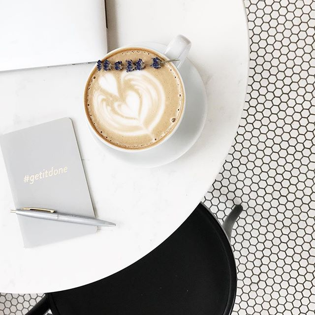 Time for a ☕️and to get things done! The last week of the month is the most important. Our process? Set goals for the upcoming month, review what you accomplished and wrap-up loose ends! ✨ #strategyandstyle #makeithappen #goalkeepers