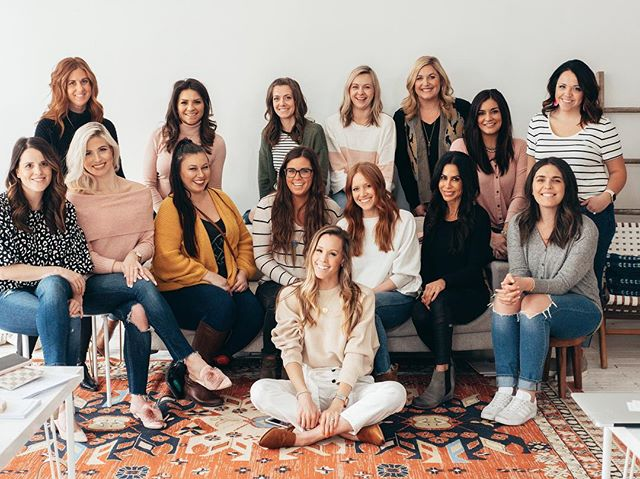 Big things happen when women support women. ✨ Happy #InternationalWomensDay! 💛 Look for women that will cheer you on and not tear you down. Looking at this inspiring group from our Strategy & Style Workshop last week! 📷: @megcusick #strategyandstyle #kcblogger #kccreatives
