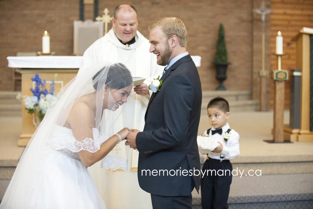 Saskatoon wedding photographer (50).jpg