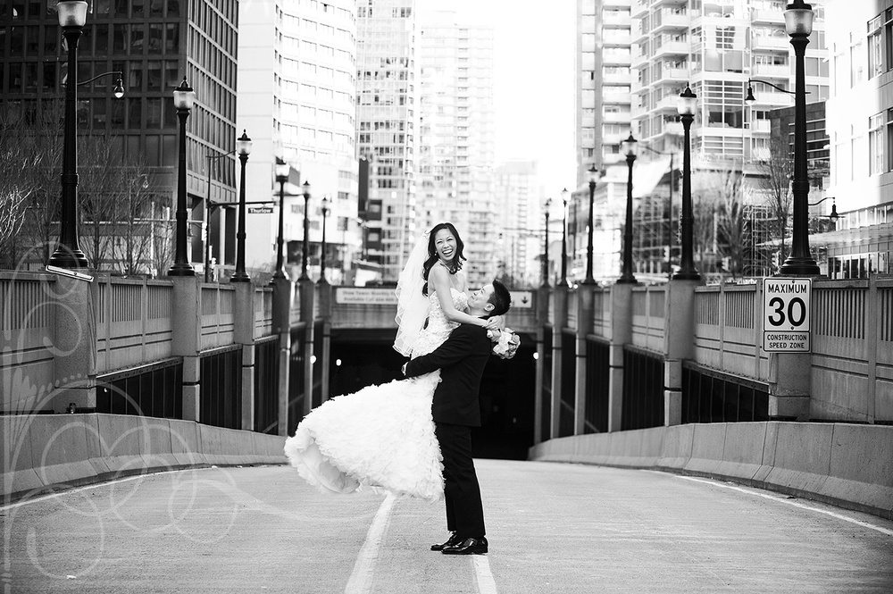 Vancouver_downtown_wedding_YaletownWeddingGallery_photo_vancouver_wedding_photographer_photo.jpg