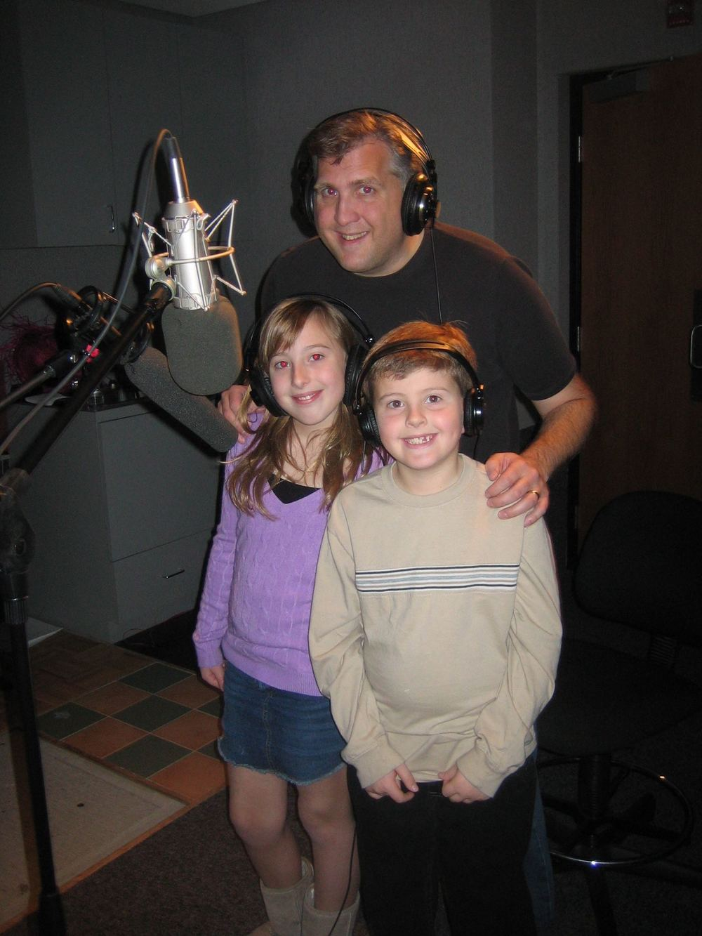 Daniel Roebuck (Paul Rocco) with his daughter, Grace Roebuck (Orphan 'Doctor') and son, Buster Roebuck (Bully/Orphan 'Accountant')