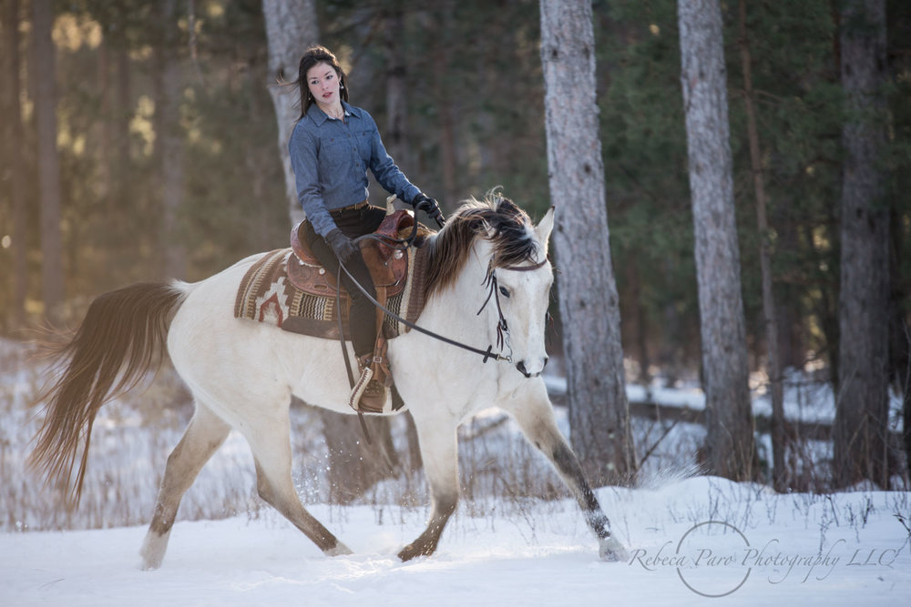 Horse riding in the snow minnesota photographer