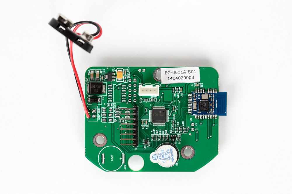 Back side of the entry pad is where the board's main MCU, a Renesas μPD78F0515A (U1), can be found. It's accompanied with an NXP QN902X SoC (U6) for BLE communication. Peripherals, such as the 8-pin keypad header (P1) and 4-pin serial interface (P3; ref above) to the lock-body are also located on this side. This serial interface is both used for communication and to carry power to the lock body. There are unpopulated footprints (U2, U4, BAT1), which may have been used in previous revisions of this board, for debugging purposes, or other models of this entry pad.