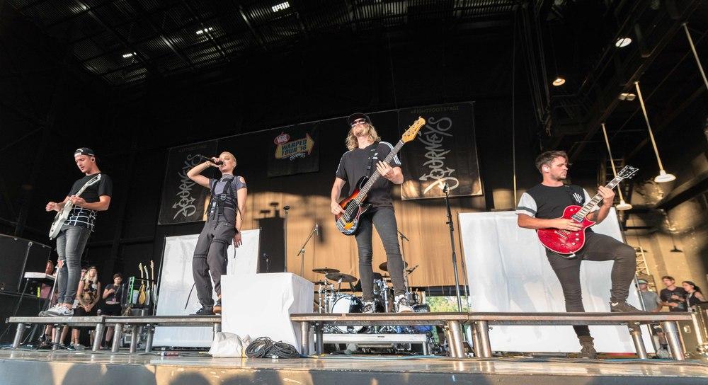 Tonight Alive - Warped Tour 2016 - Benjamin Robson -.jpg