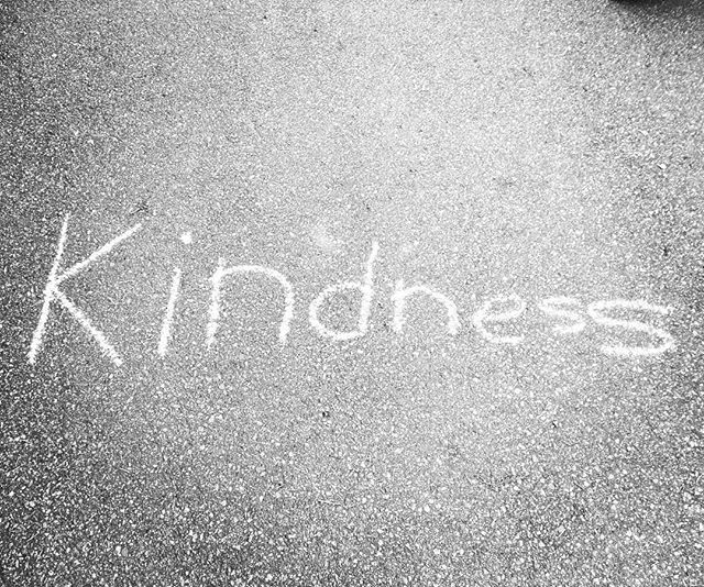 Happy world kindness day!! 🎉💃🏼🥳 Get out there and do some kind stuff today!! . . . #worldkindnessday #worldkindnessday2018 #bekind #dokindstuff #kindness #spreadkindness #spreadlove #spreadjoy #positivepsychology #nanaimobc #mentalhealthawareness #grateful #gratitude #community